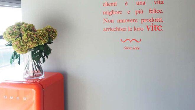 Scritte adesive parete